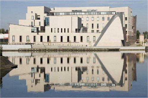 Ciudad de la Música y la Danza (2003)  Arquitecto: Henri Gaudin Ciudad: Estrasburgo (Alsacia) País: Francia, Europa